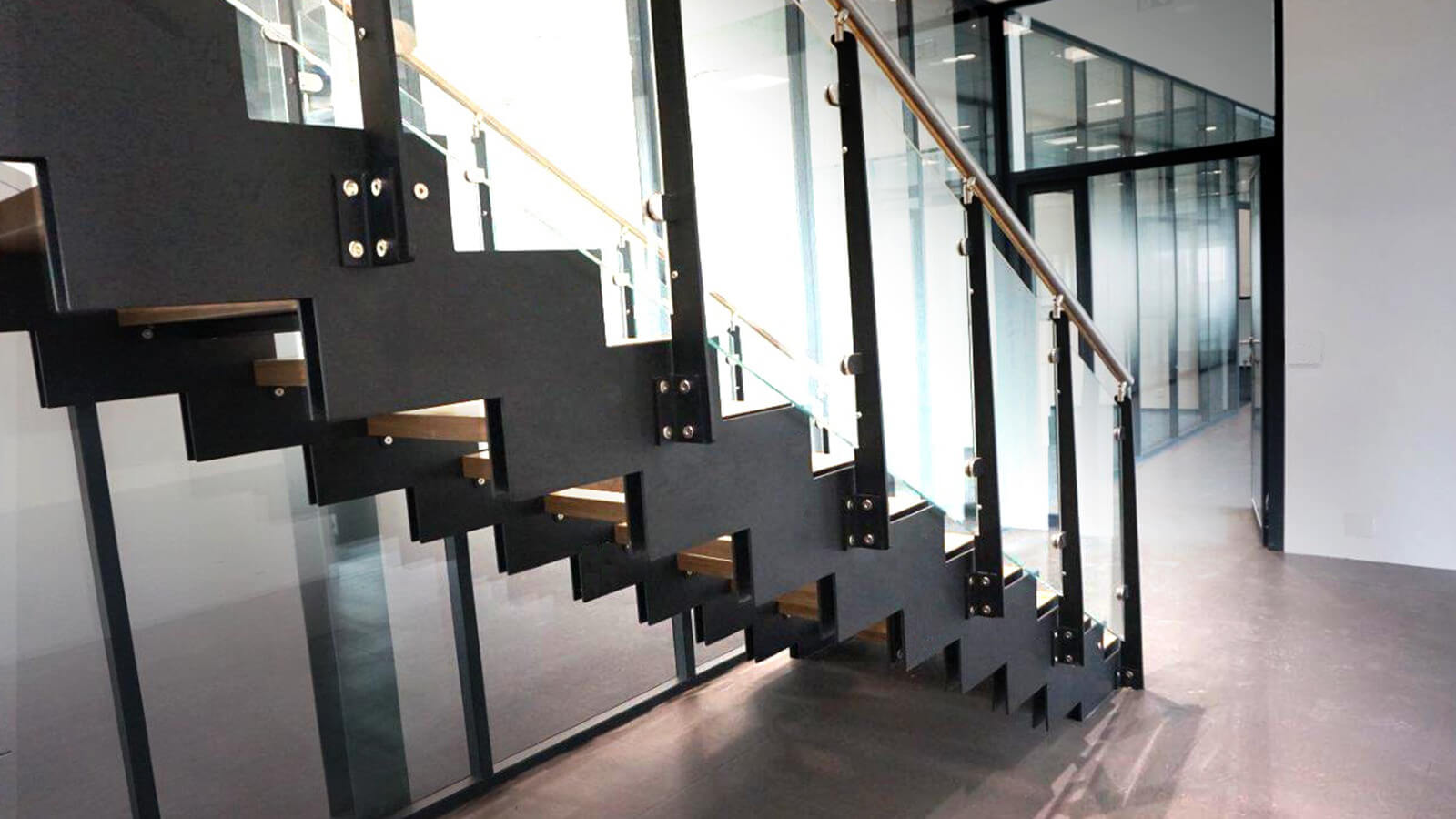 News executive stairs - Scale di design ...